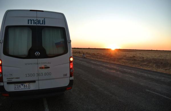 Západ slnka na ceste