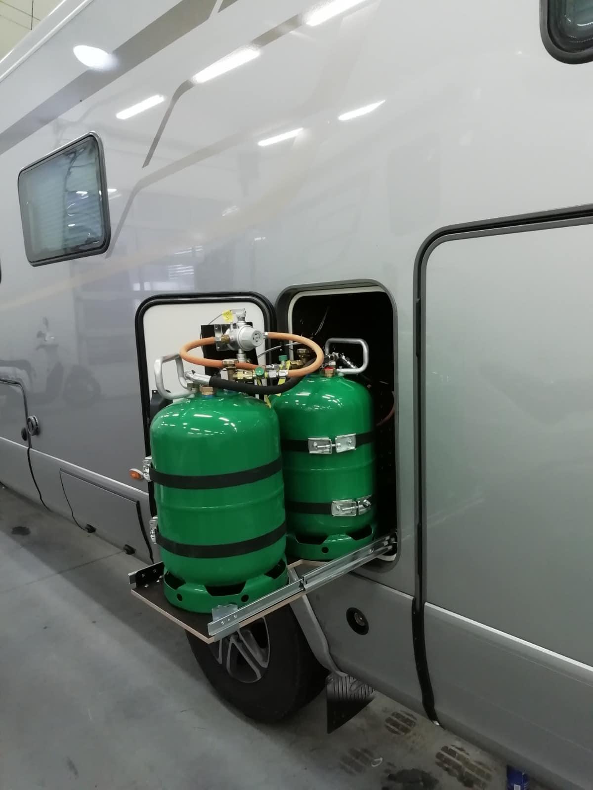 Ocelový tankovací systém