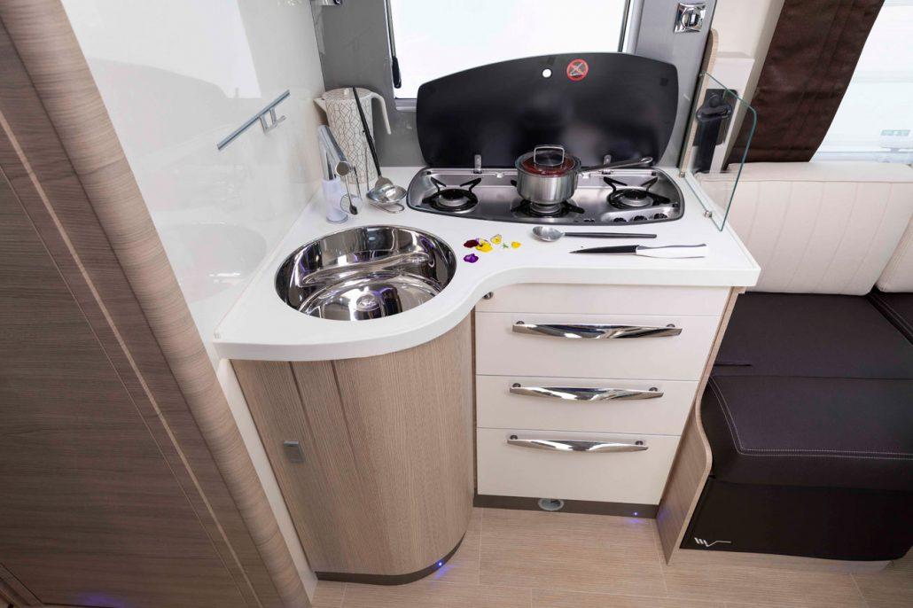 kuchyňa v K-Yacht 86 Tekno-line