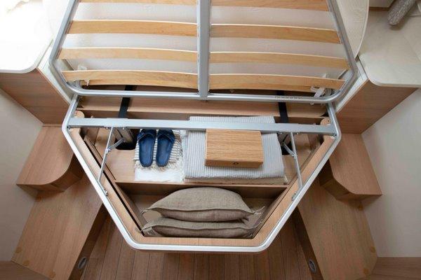 úložný priestor pod královskou postelou