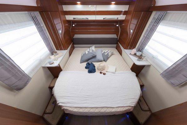královský spánok na Queen posteli
