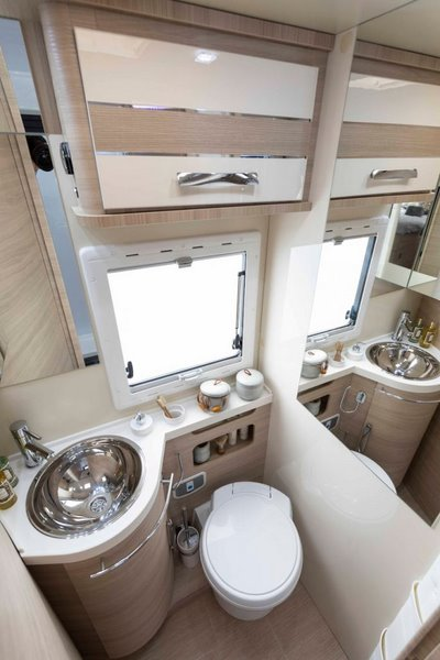 kúpeľňa v K-Yacht 86 Tekno Line